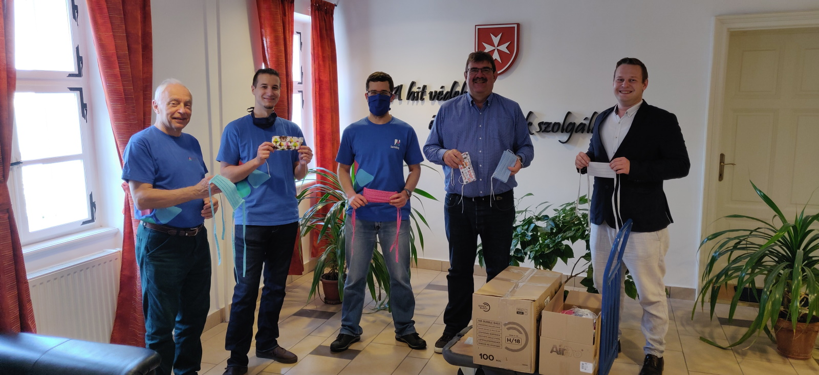 Our donation of a 1000 face masks to the Hungarian Charity Service of the Order of Malta